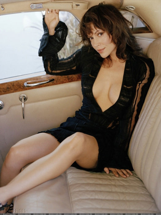 Фото голая алиса богарт