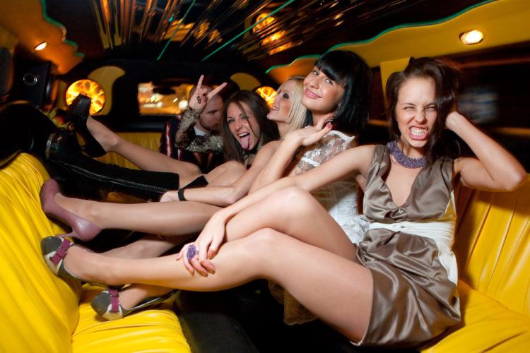 Секс в лимузине порно видео